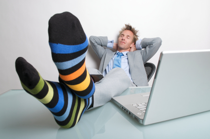 lazy-guy-on-computer